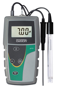 Oakton® pH 5+ Handheld Meter with pH Probe